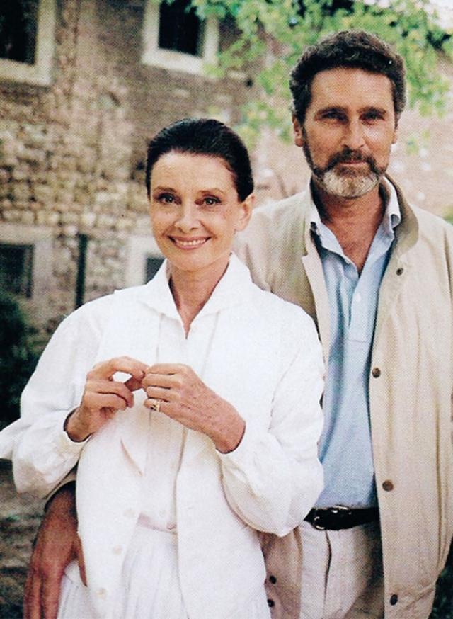 В 1980, в 50 лет Одри снова полюбила. Избранником актрисы стал голландец Роберт Уолдерс, с которым она состояла в отношениях до конца своих дней. Брак между Хепберн и Уолдерсом так и не был официально оформлен, но это не помешало их счастью.